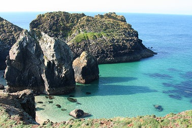 Kynance Cove | Top 5 Romantic Spots In Cornwall
