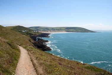 Explore The Coast On Foot | 5 Tips to Stay Fit & Healthy on Your Holidays in Devon