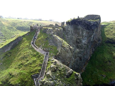 Tintagel Castle | Top 5 Romantic Spots In Cornwall