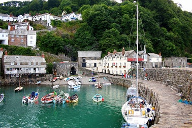 Clovelly | Dog Friendly days out Devon