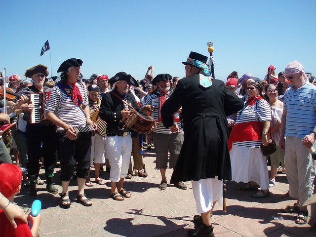 Pirates On The Prom | Last minute holidays Cornwall